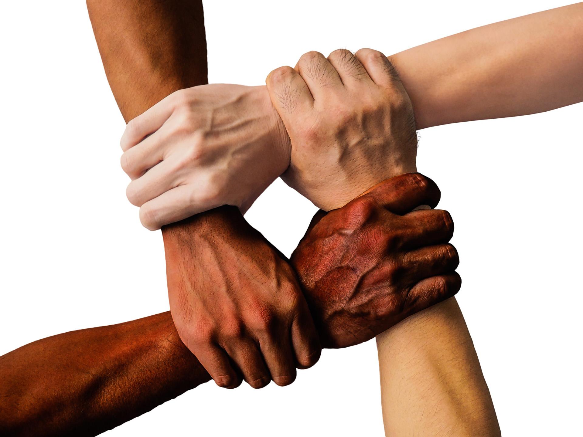 contratti-di-solidarietà-mani_02